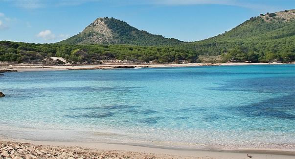 Luxusimmobilien im Strand in Artà auf Mallorca