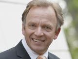 Manfred Ahrens Telefon: 04221 930-102