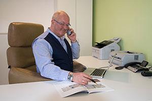 Fritz Räpple im Büro
