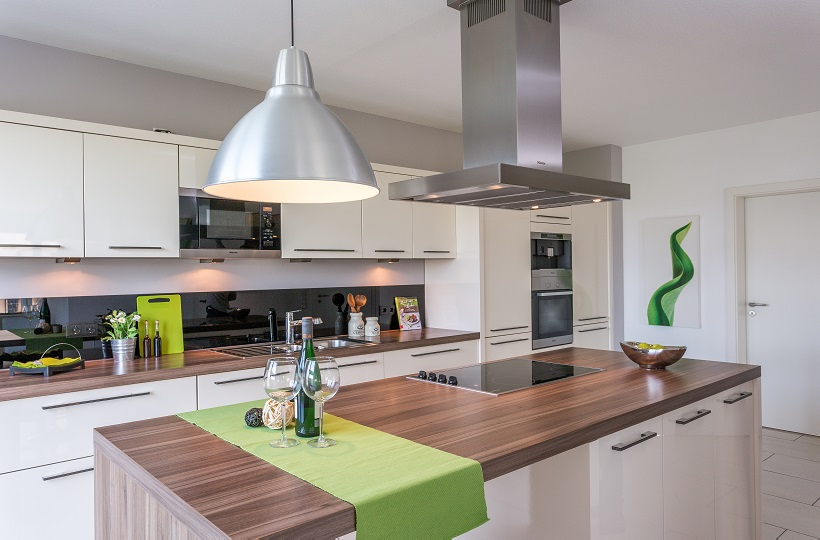 Dekorierte moderne Küche