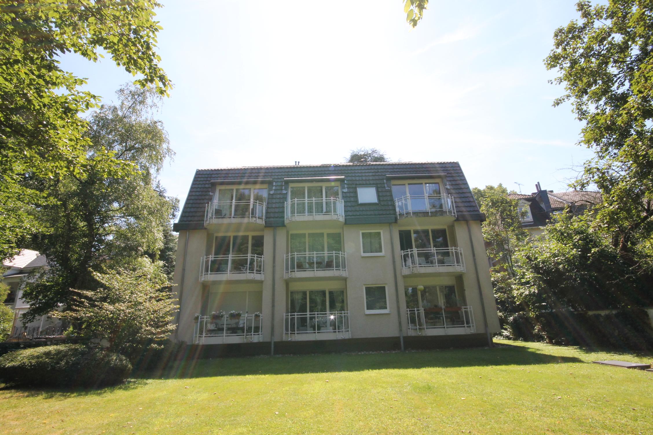 großes Mehrfamilienhaus in Bonn