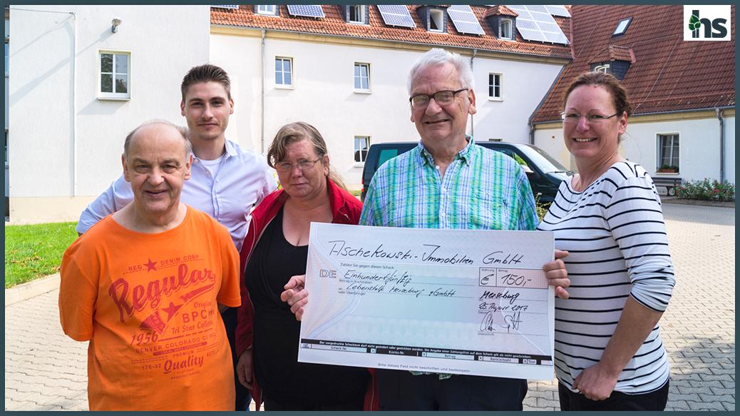 Spendenübergabe in Leuna, 'Haus am Hügel', Lebenshilfe Merseburg