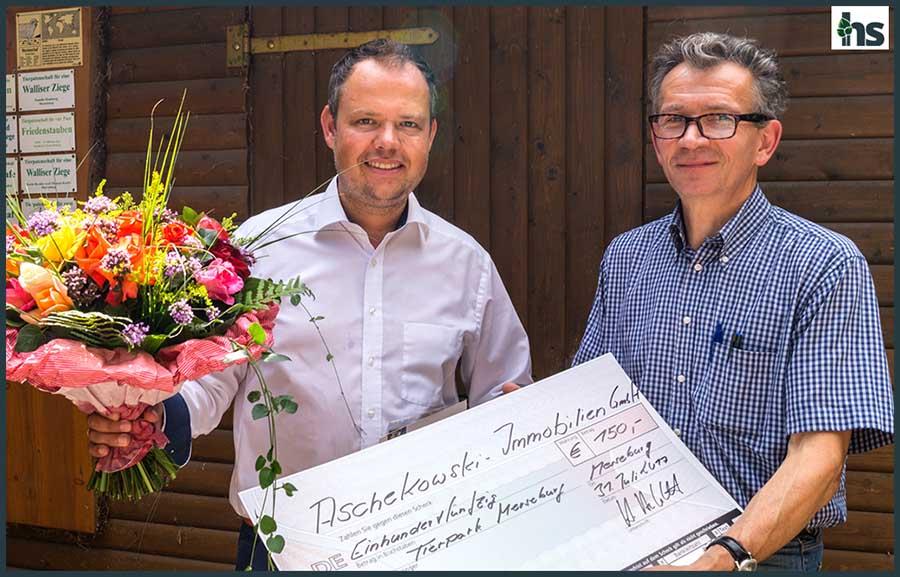 Spendenübergabe an den Tierpark in Merseburg-Süd