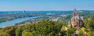 Panorama von Schloß Drachenburg
