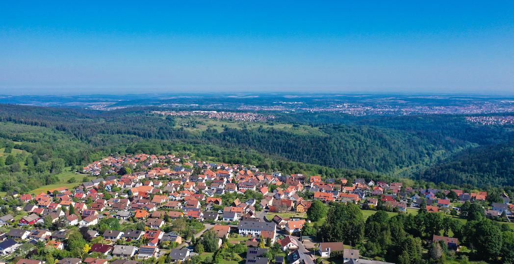 Luftbild Engelsbrand Grunbach im Enzkreis mit Blick auf Pforzheim