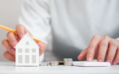 Wenn Sie den Wert Ihrer Immobilie unverbindlich erfahren möchten, sind Sie bei der albfinanz als Immobilienmakler aus Reutlingen genau richtig. Jetzt Sofort-Bewertung ausfüllen!