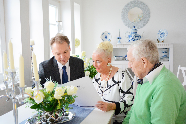 Kompetente und einfühlsame Beratung für Best Ager und Senioren - Dominic Wolf Immobilien
