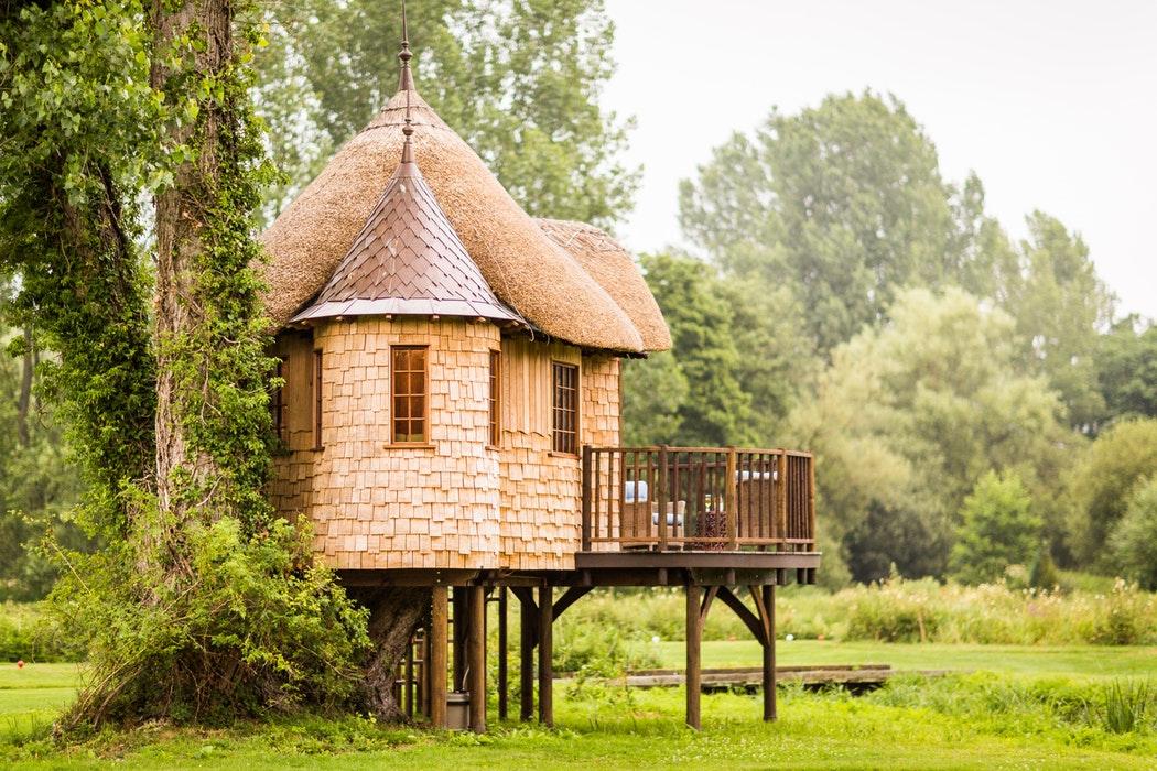 Häsuer im Wald Tiny House