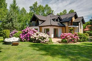 Freistehendes Haus mit Garten