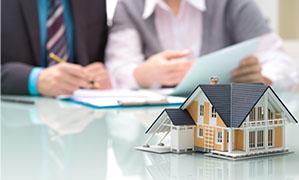 Vertragsunterschrift für eine Immobilie