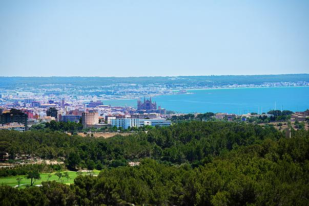 Blick auf Son Vida - begehrte Immobilien auf Mallorca
