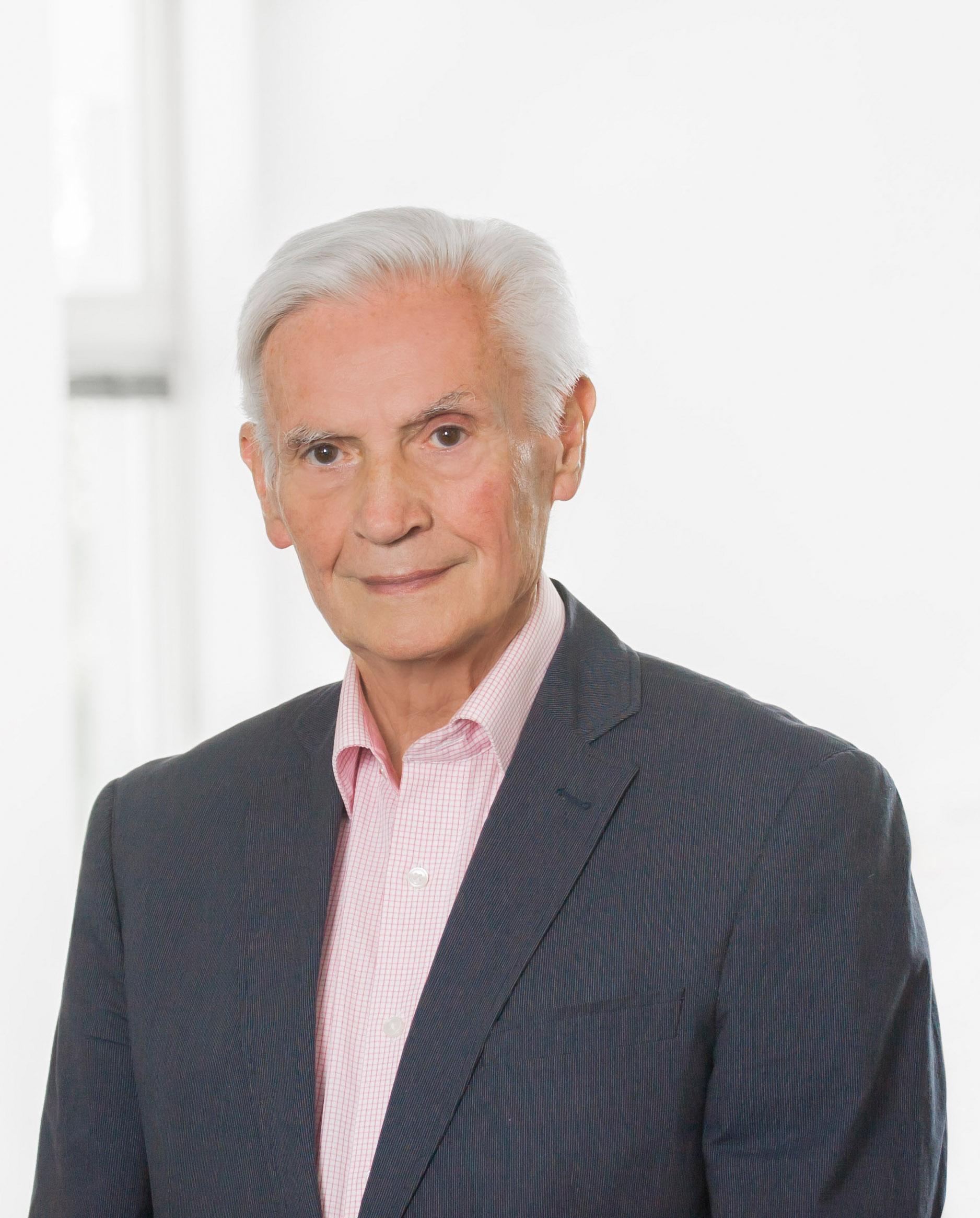 Hans Jürgen Kleinsteuber