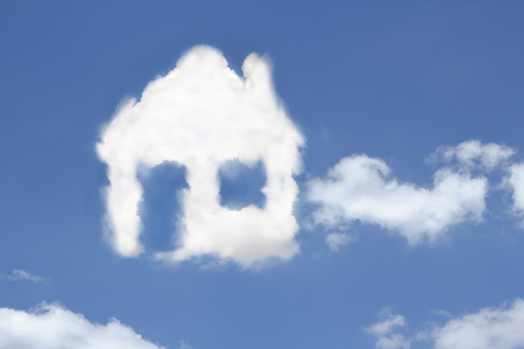 Wolken die ein Haus formen