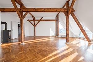 Altbau Wohnung mit Holzbalken