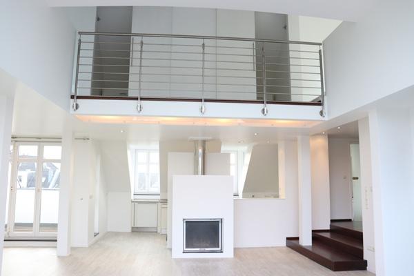 Blick in eine moderne und helle Wohnung