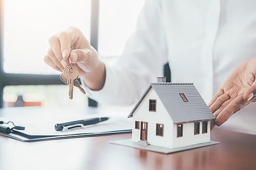 Modellhaus und Schlüssel
