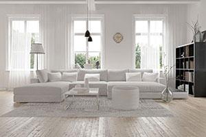 Modernes geräumiges Wohnzimmer