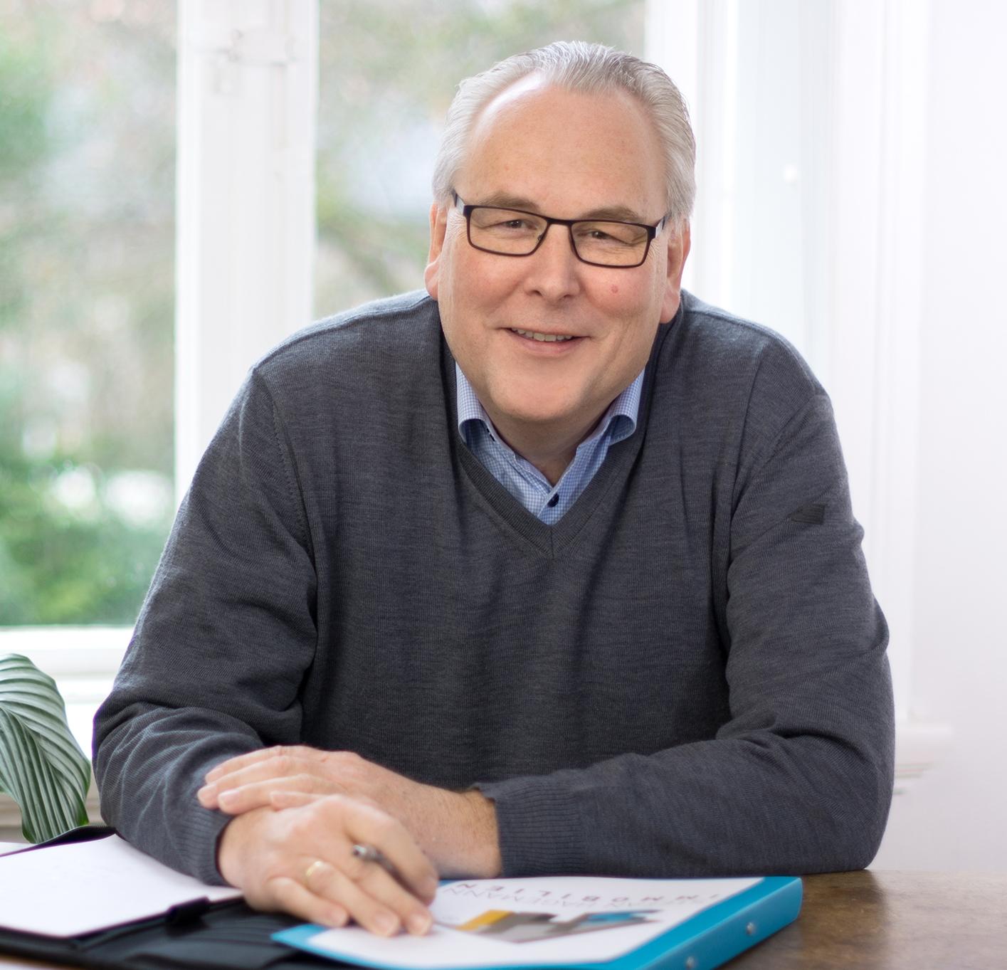 Immobilienexperte Stefan Hagemann - Immobilienmakler und geprüfter Sachverständiger für Immobilienbewertung (ZIS) mit über 25 jähriger Erfahrung im Immobiliengeschäft!