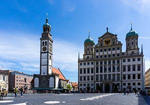 Rathaus in Augsburg mit Perlachturm