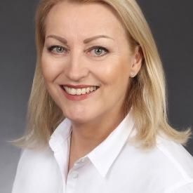 Frau Angelika Späker