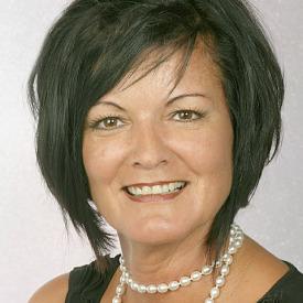 Frau Ulrike Knuth